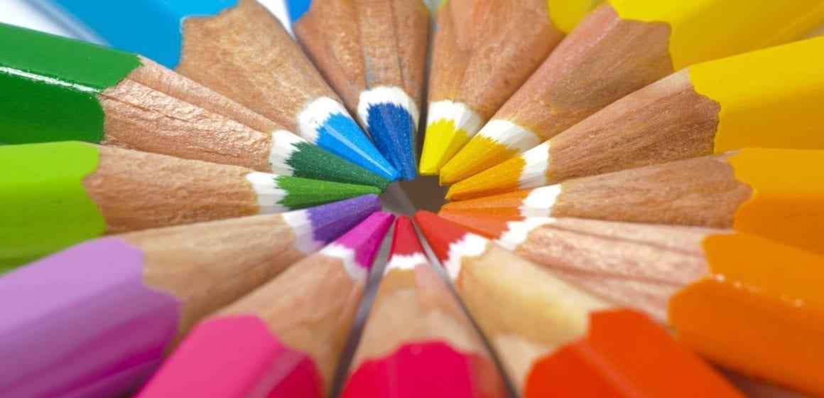 rainbow-pencils-background